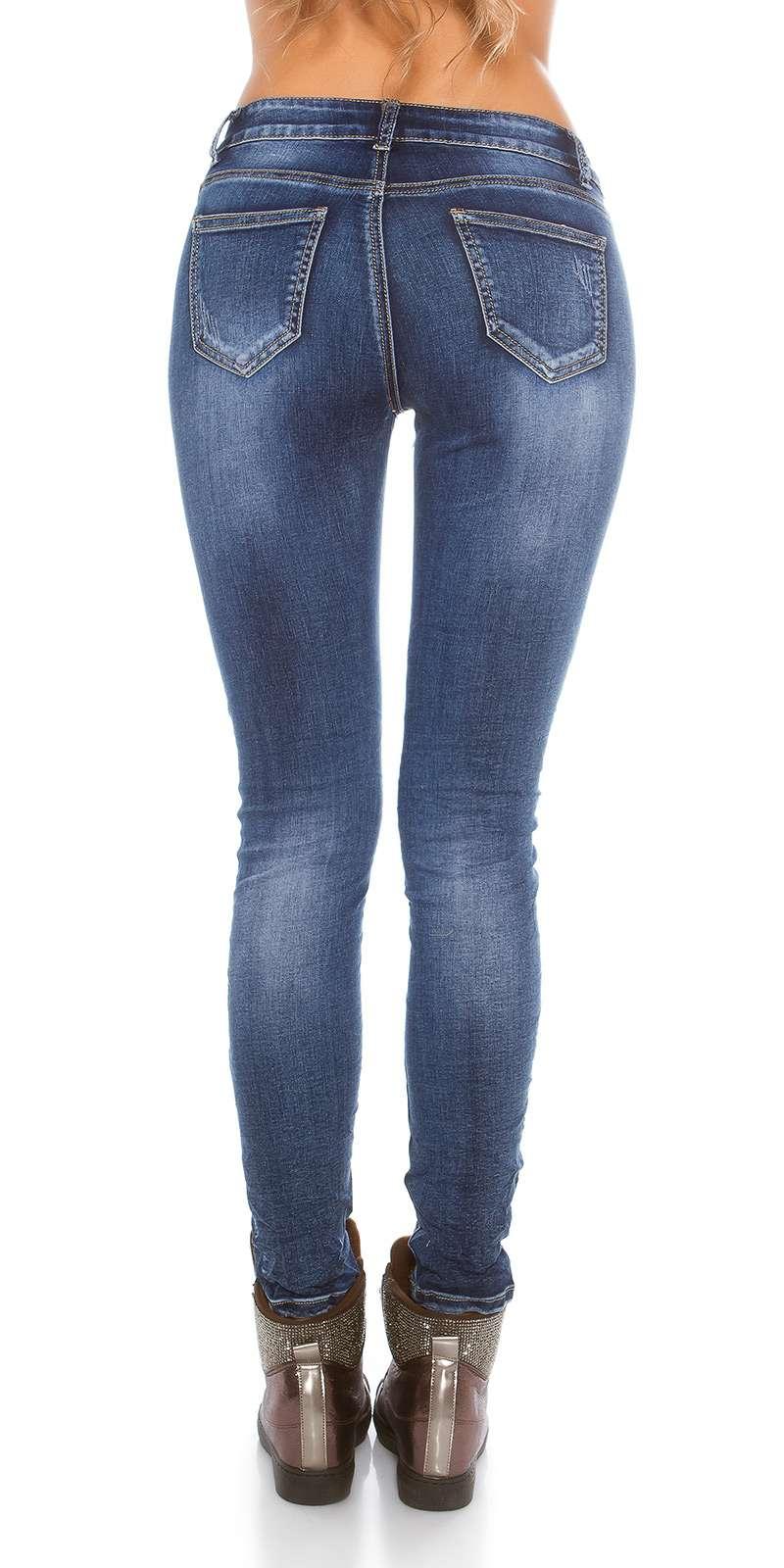 Jeans Stickerei