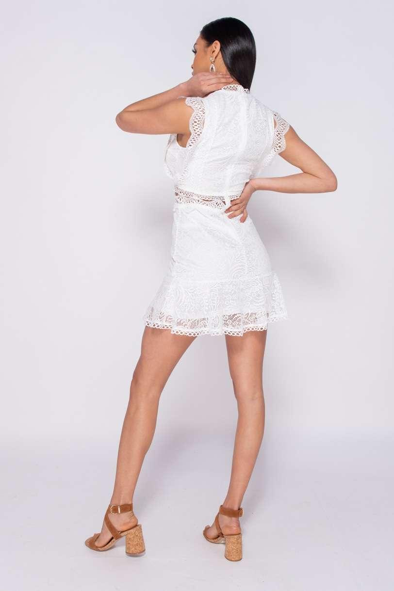 Mini robe en dentelle