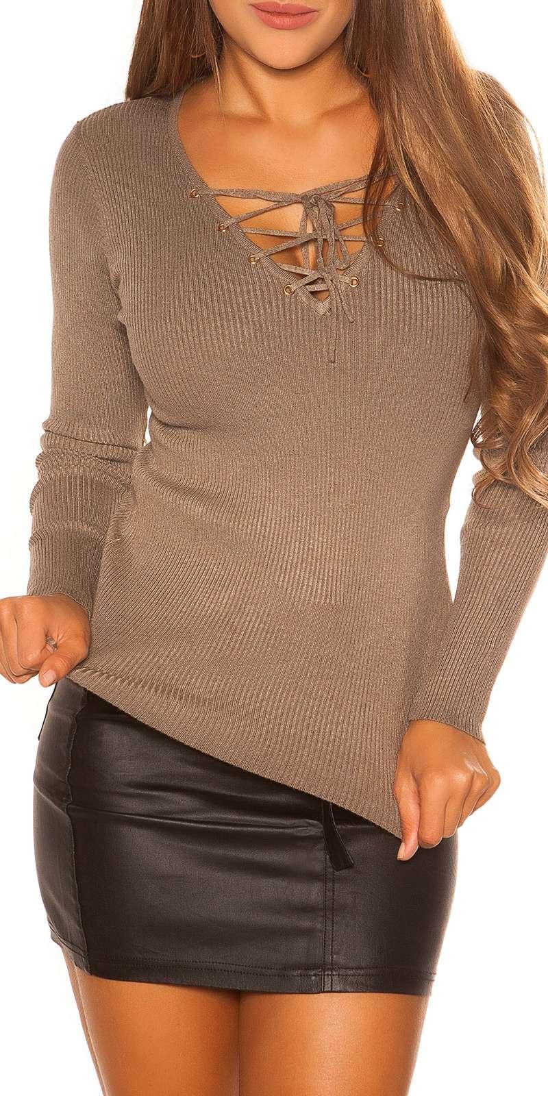 V-Cut Pullover
