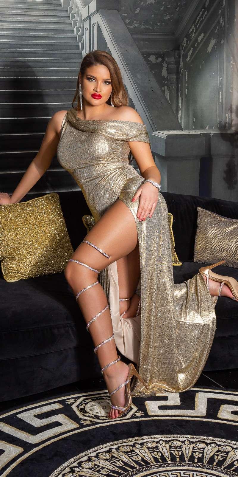 Robe Goddess